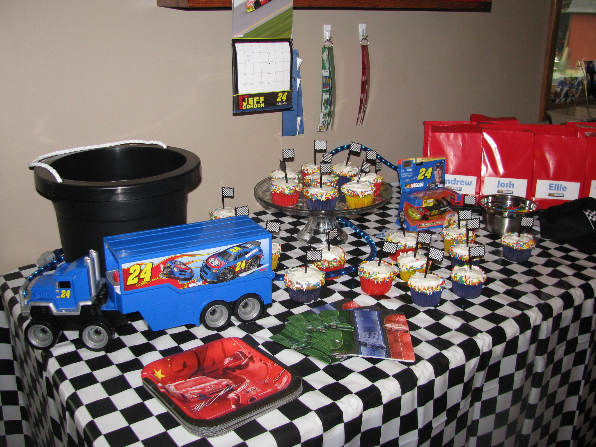 Nascar birthday party sarahs sweeties we filmwisefo Choice Image